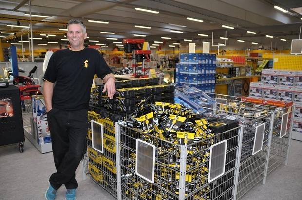 Harald Nyborg er klar til kunderne Din Avis