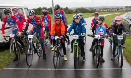 Krav: Cykel. hjelm og kendskab til trafikreglerne