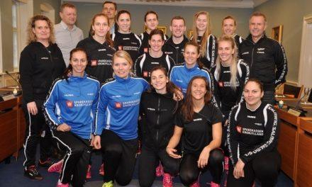 Håndboldkvinderne blev fejret af ivrig borgmester