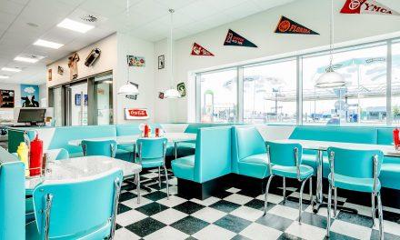 The Diner skal have ægte amerikanske møbler