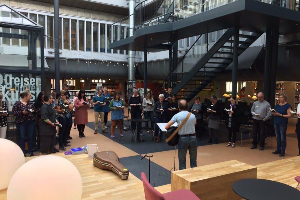 Fællessang på Randers Bibliotek