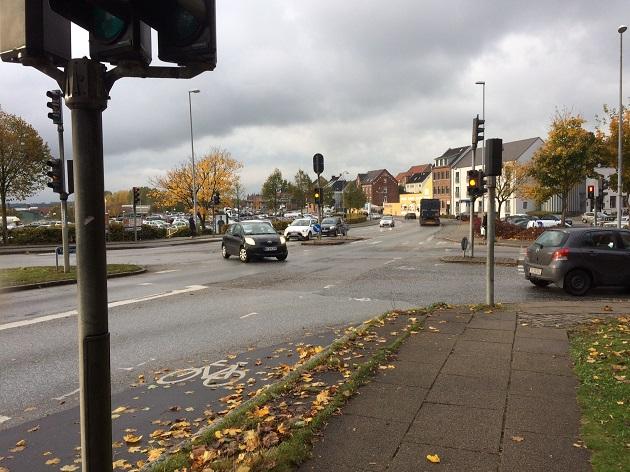 Omkørsel og asfaltarbejde ved Jernbanegade og Viborgvej