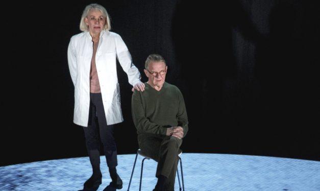 Rørende forestilling om demens til Randers på Danmarksturné