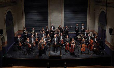 Sparekassen Kronjylland investerer i italiensk 1700-tals violin til Randers Kammerorkester