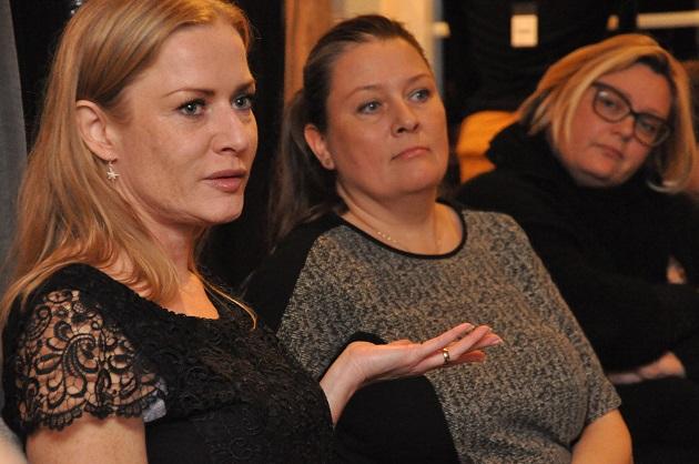 Kvindelige kandidater bød på kage