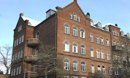 Randers Realskole køber naboejendom