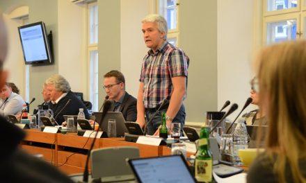 Påbuddet om svinekød skal tilbage i udvalgsbehandling
