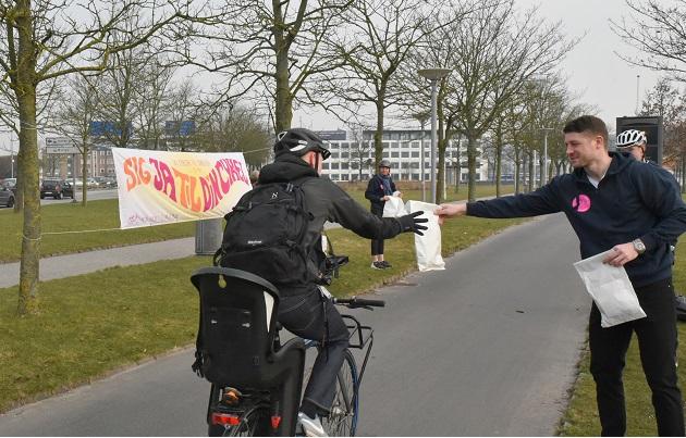 Bilsælgere forkælede randrusianske cyklister
