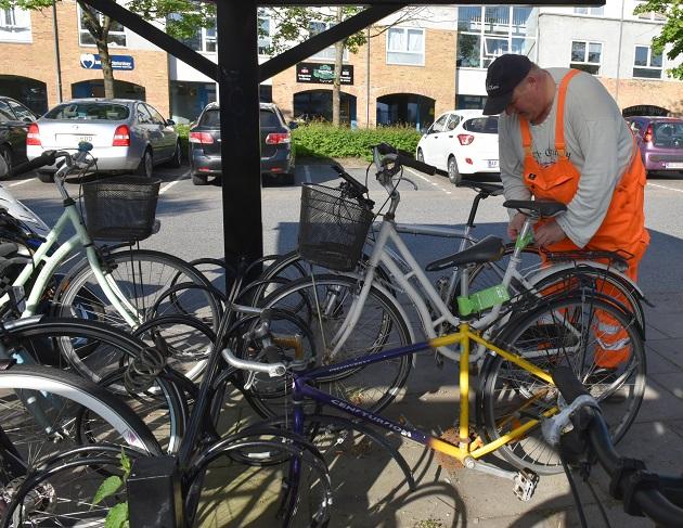 Randers rydder op i defekte cykler
