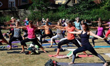 Rekordmange til yoga i Randers