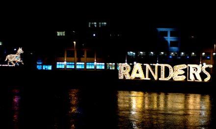 De lysende bogstaver tilbage til Randers Havn
