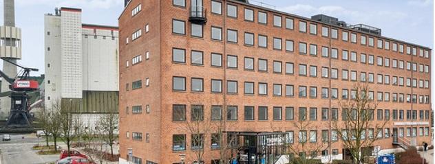 Sætter Toldbodgade 3 til salg for 64 millioner