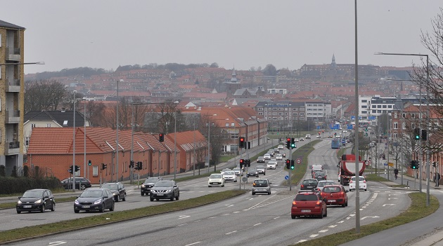 Århusvej skal have ny asfalt