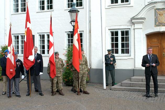 Flagdag på Rådhustorvet for veteraner