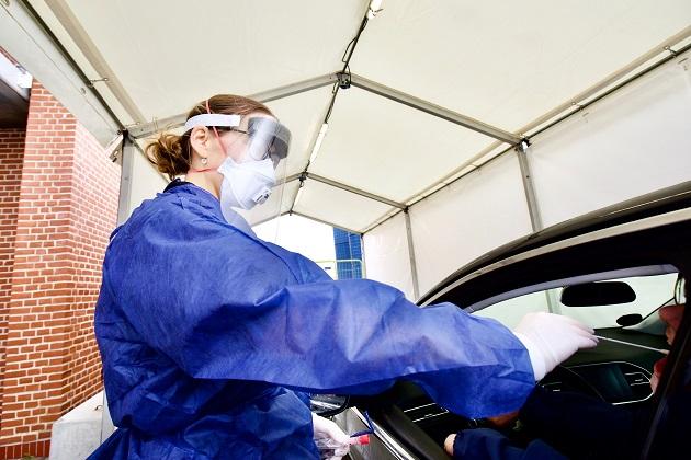 Drive-in test for coronavirus i Skejby