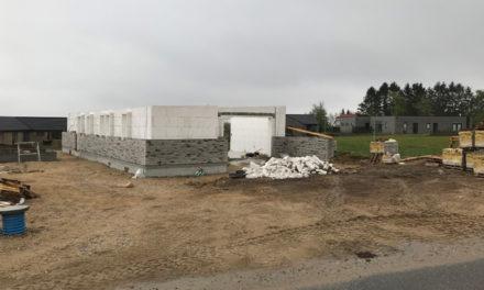 Flertal i udvalg : Huse i Hornbæk skal delvist nedrives