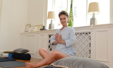 Yoga og café for brystkræftramte kvinder