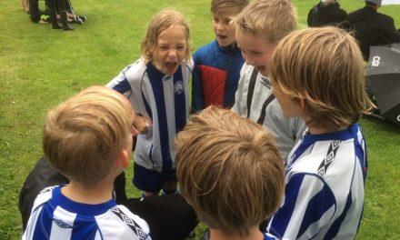 Fodboldopstart med både boldspil og lege