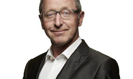 Finn Nørbygaard taler i OK-Klubben