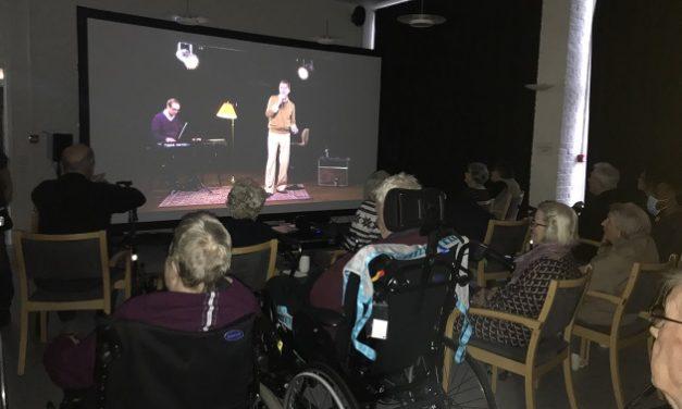 Ny underholdningsform på Tirsdalens Plejecenter