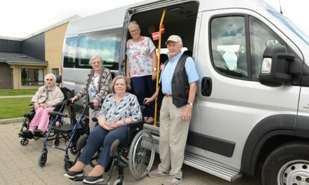 Lykkelige for ny bus – nu samles flere penge ind
